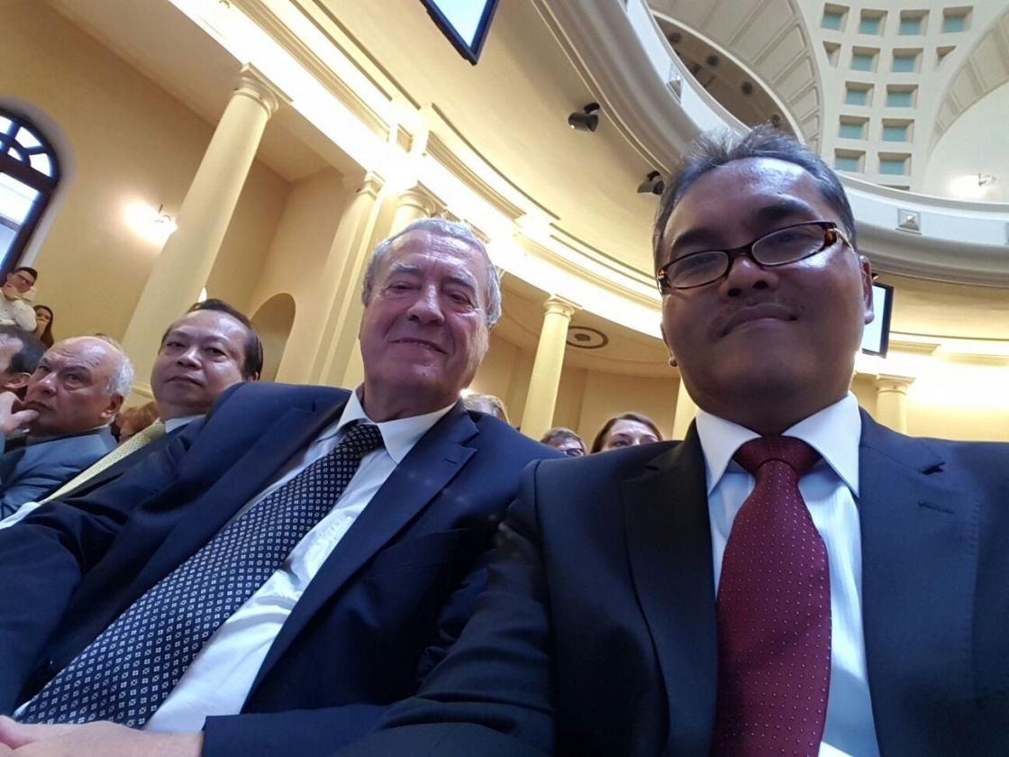 H.E Ambassador Diar Nurbintoro delivers